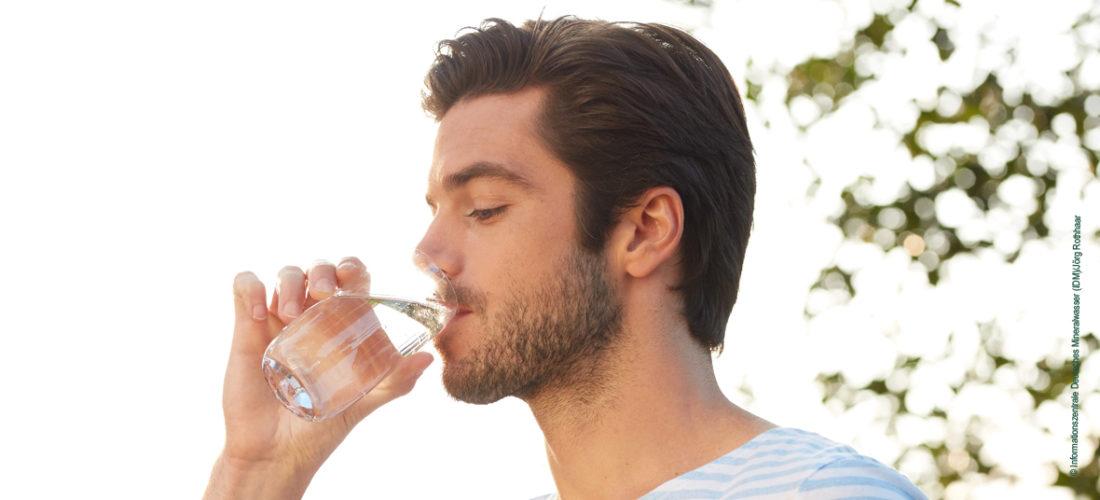 Natürliches Mineralwasser: nachhaltig, sicher und rein